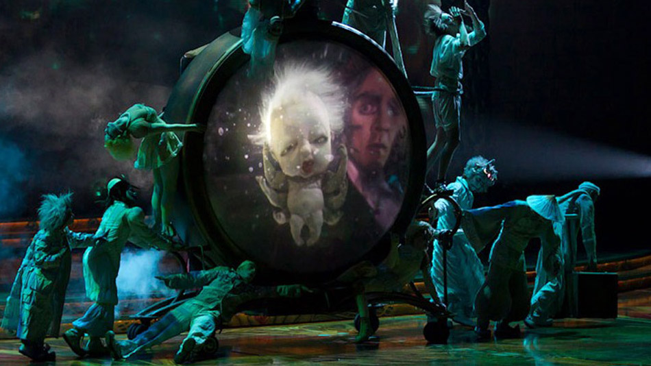 L'animation 3D de Pickle Lady chante en duo avec le magicien Zark. (Photo: Cirque du Soleil)