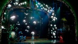 Les yeux 3D suivent l'action qui se déroule sur scène. (Photo: Cirque du Soleil)