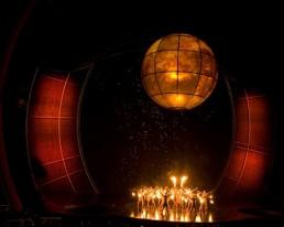 Une projection à 360 degrés couvrait la surface de la sphère.