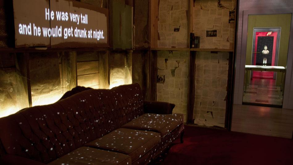 Dans la caverne magique, Michel Tremblay raconte des souvenirs d'enfance.